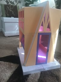 Bratz ski lodge/ Barbie house Clarksburg, 20871
