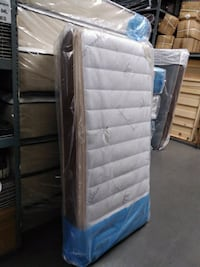 Twin pillow top mattress and box spring  Rancho Cucamonga