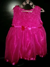 Babies 6-12 month dress  London, N5Z 4T1