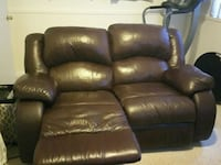 recliner left side broken, can be fixed. Hayward, 94541