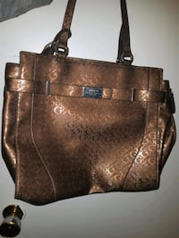 Beautiful Larger GUESS purse