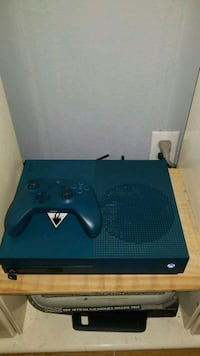 Blue Xbox One S console with controller Laval, H7N 4E9