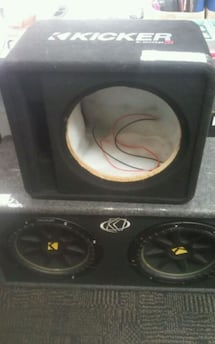 "Kicker 12"" subwoofer box 208285-1"