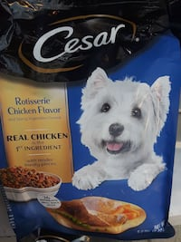 Cesar rotisserie chicken flavor dog food pack