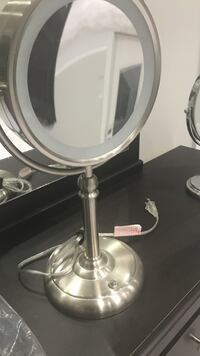 Two mirrors one led and one standard for just $10!