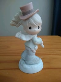 Precious Moments Soot Yourself To a Merry Christmas figurine