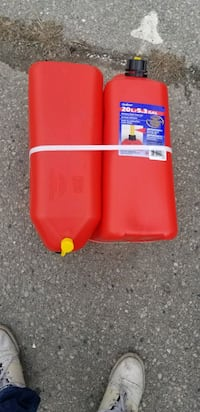 Scepter Gas Cans  Pair  40L 5.3Gal NEW Toronto, M9W 4M2