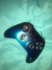 Xbox one 500 gb with kinect and controller.price negotiable . Atlanta, 30316