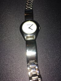 Gucci 6700L buckle watch price firm.