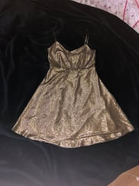 Beautiful NEW Gold Dress Vancouver, V5X 2A7
