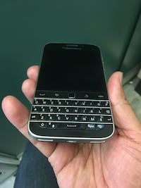 Blackberry classic Unlocked very clean  Toronto, M4Y 1Z3