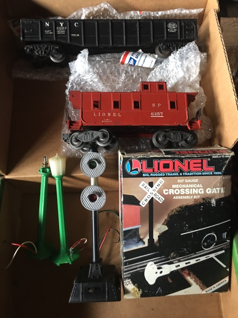 Photo Lionel crossing gate 2 cars and 3 lights