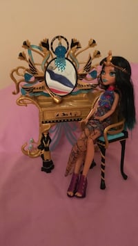 Monster High Cleo De Nile with Vanity Woodbridge, 22191