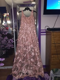 Baby pink gown  Windsor, N9H 2M4