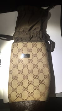 Brown and black gucci water bottle holder  Markham, L3T