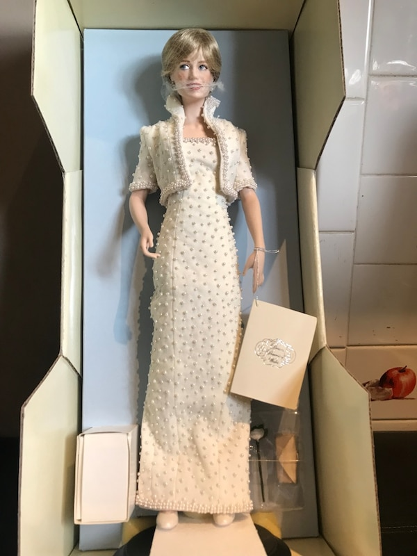 1cbfd30ab57 Used Princess Diana brand new the Franklin Mint collections for sale in  Shirley - letgo