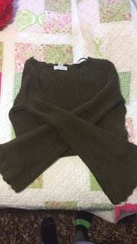 Forever 21 crop sweater  Pickering, L1W