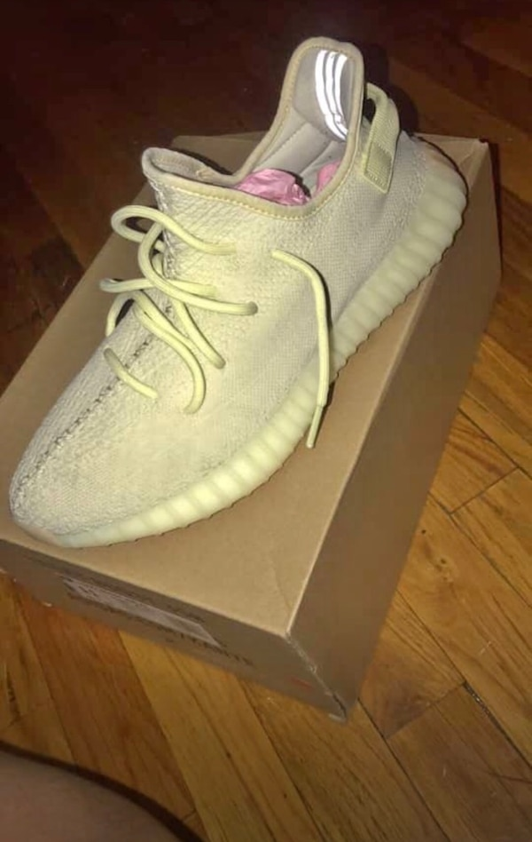 a2dda430a Used pair of white Adidas Yeezy Boost 350 on box for sale in New York -  letgo