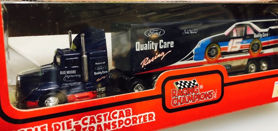 Lake Speed #15 Quality Ford & Bud Moore NASCAR 1:87 Transporter 35a94f51-31a2-4d26-b91e-3a66cb4ad624