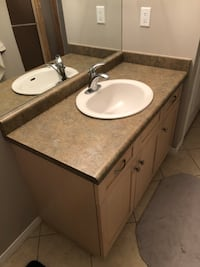 Bathroom vanity + sink + faucet  Georgetown, L7G 6J3