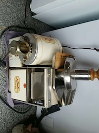 beige and gray meat grinder