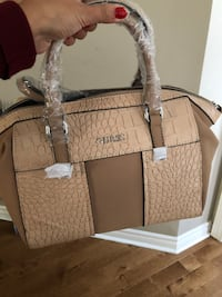 Guess purse  Mississauga, L5N 7H1