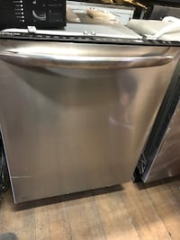 Frigidaire Gallery Stainless Steel Dishwasher !