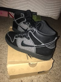pair of black Nike basketball shoes Saugus, 01906