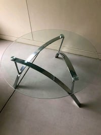 LIKE NEW!! Glass , round coffee top table Charlotte, 28204