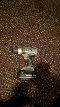 gray and black Craftsman cordless hand drill Highland, 20777