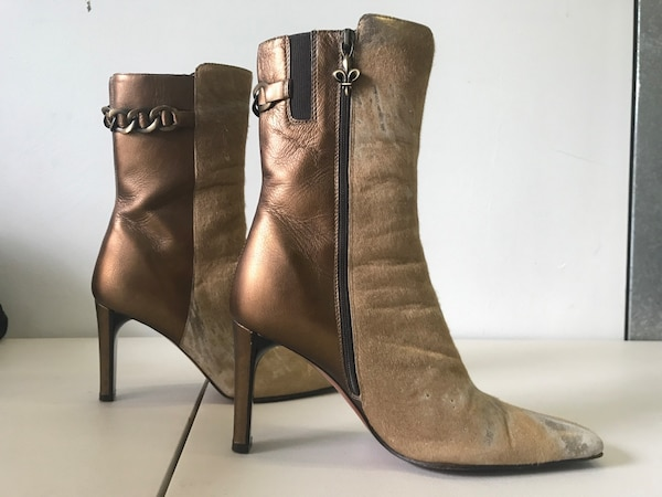 f9329e9401f Used Donald J Pliner leather side-zip heeled booties for sale in North  Miami Beach