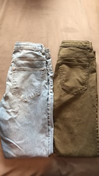 Two woman's jeans size 8 532 km