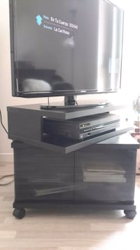 Wooden TV stand, not TV! Laval, H7K