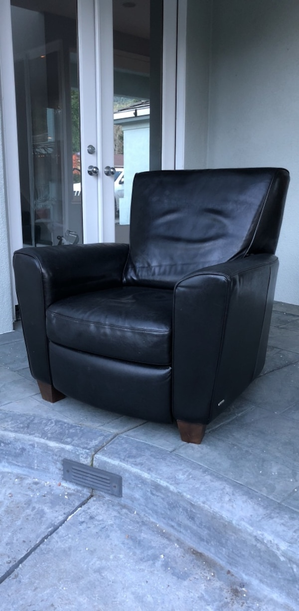 used black leather recliner sofa chair great used condition for