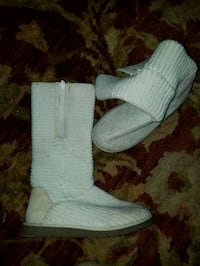 White tall knitted boots size 8 Oklahoma City, 73108