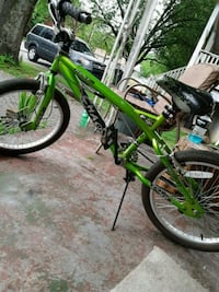 green and black BMX bike Chattanooga, 37407