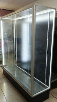 display cabinet with lights.. i have 2.. both in g Palmdale, 93550