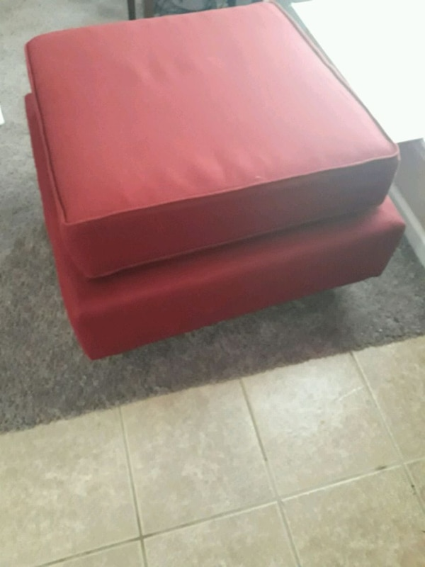 Single Ottoman Red  2