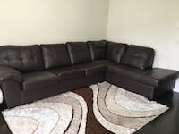 Sectional sofa Brampton, L6R 3X3