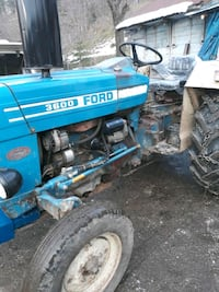 83 model 3600 ford t7