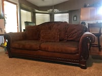 Couch and loveseat  Visalia, 93291