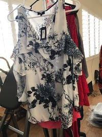 Large woman's blouse  Bakersfield, 93307