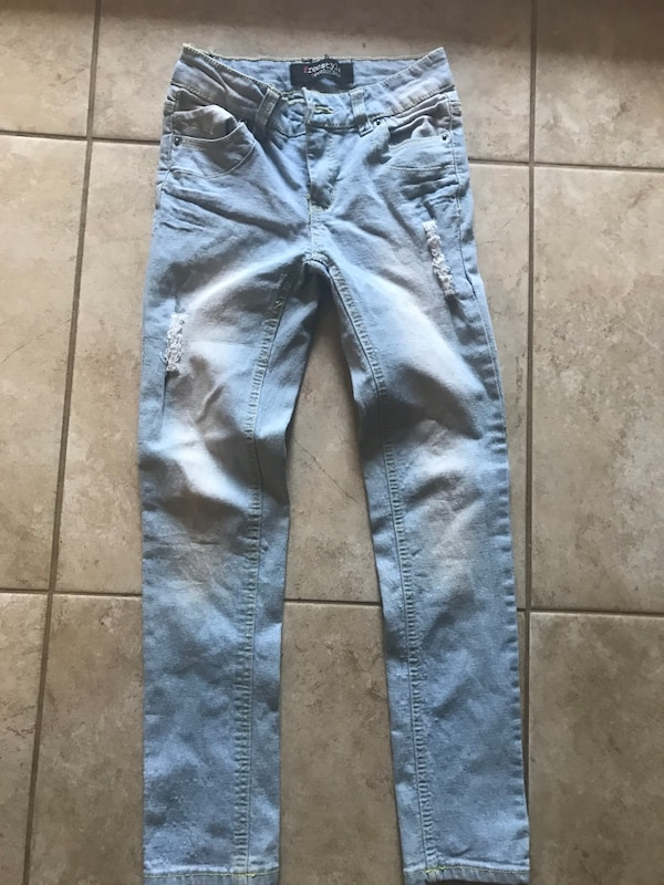 7025d072d9293 Used blue distressed jeans for sale in Tyler - letgo
