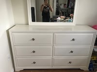 White wooden dresser with mirror Miami, 33175