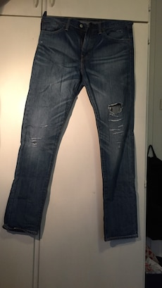 Svart denim distressed bukser