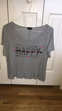 women's gray and black find your happy place-printed scoop-neck blouse Sterling, 20164