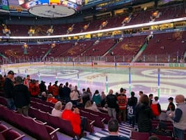 Toronto maple leafs vs Vancouver Canucks | CHEAP lower bowl tickets