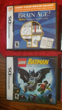 two Nintendo DS game cases Manitowoc, 54220