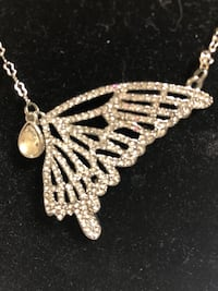 Traci Lynn Rhinestone butterfly necklace Centreville, 20121