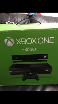 Xbox one console with controller box Carteret, 07008